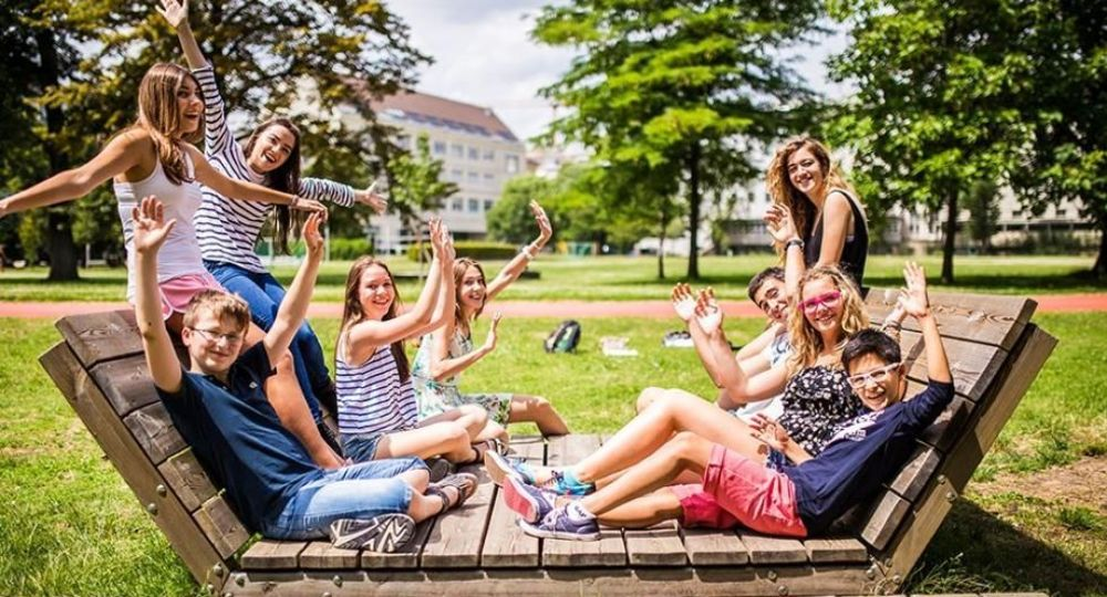 школьники в языковом лагере в австрии
