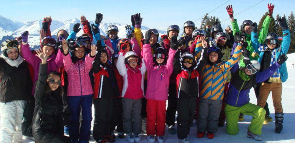 дети на зимних каникулах в Швейцарии