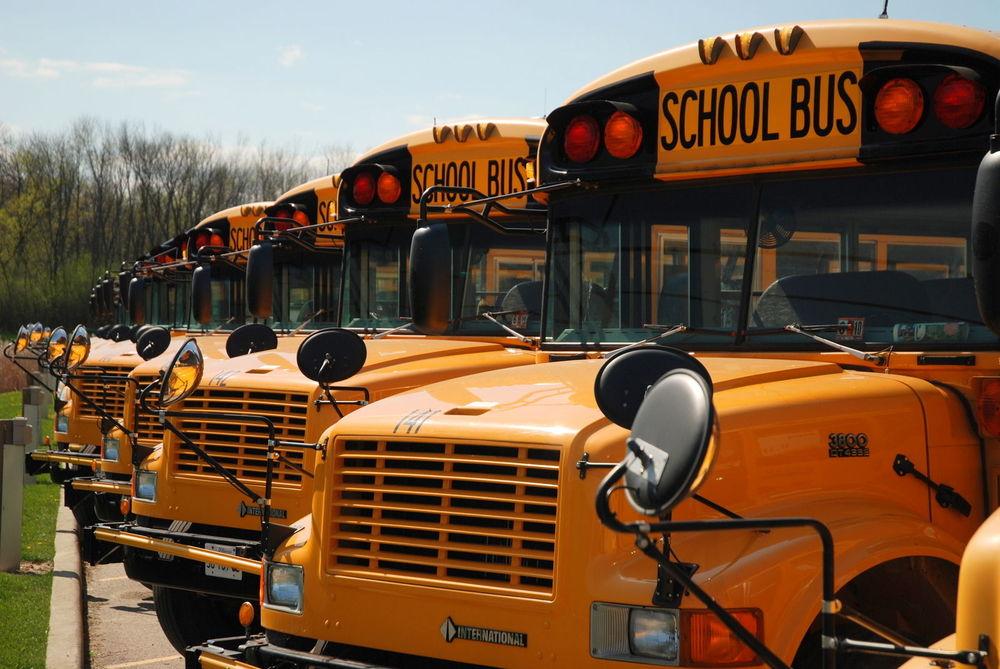 школьные автобусы в средних школах в США
