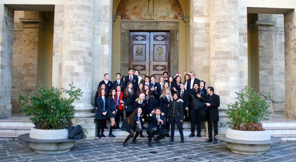 середню освіту в Італії для іноземних студентів