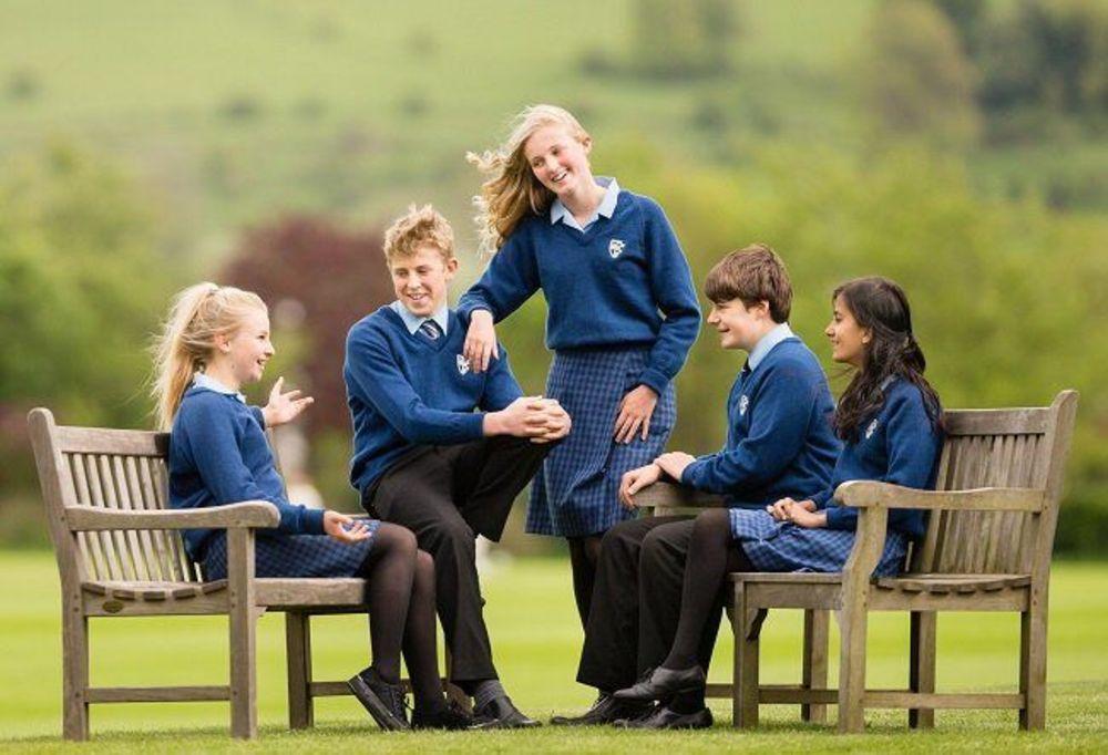учащиеся средней школы в Англии