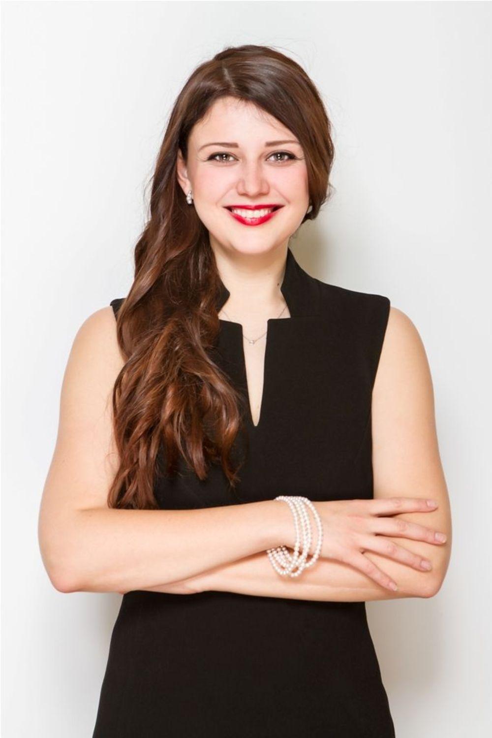 Марина - менеджер з розвитку проектів в компані & quot; Аспект - навчання за кордоном & quot;