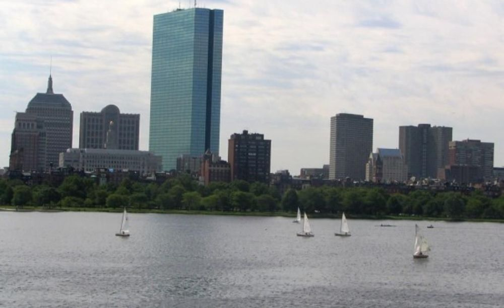 прогулка детей в лагере FLS Boston по городу