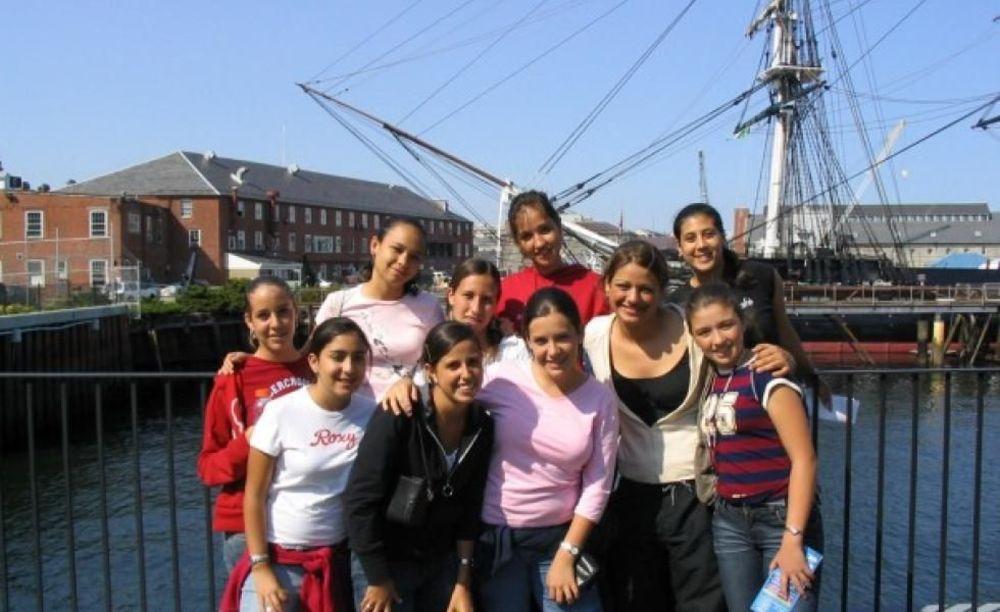 участники программы FLS Boston Fisher College