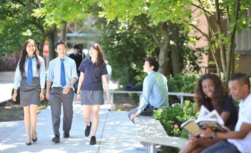 школьники Columbia International College