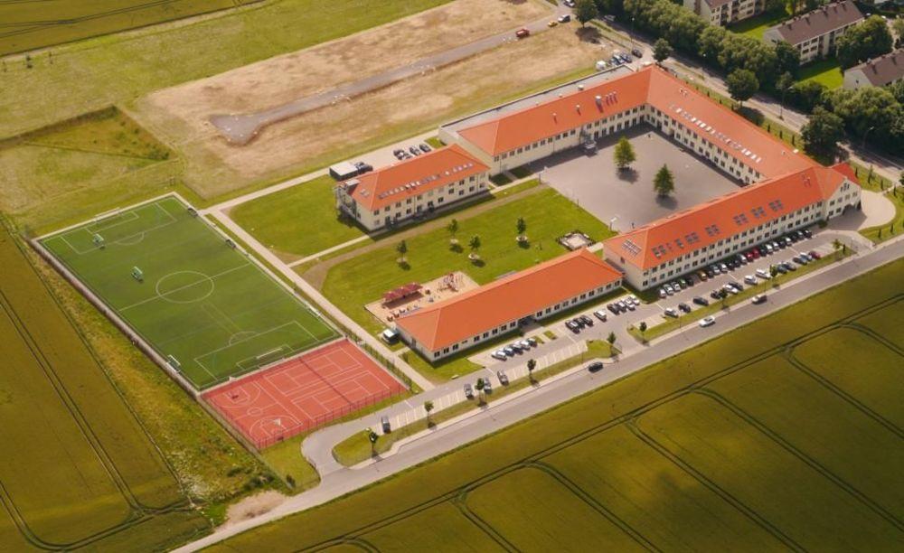 территория школы St. George's School Cologne
