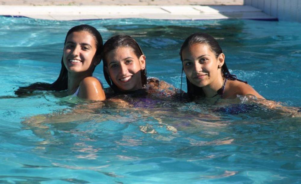 дети в бассейне Linguaviva Summer Camp, Lignano