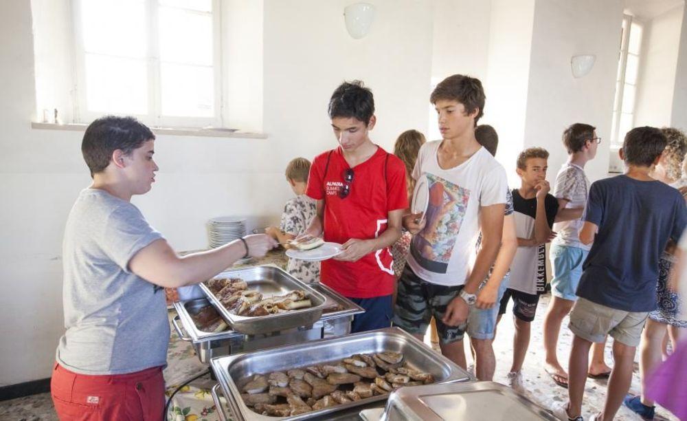обед Collegio Papio (Ascona), Alpadia Summer Camps