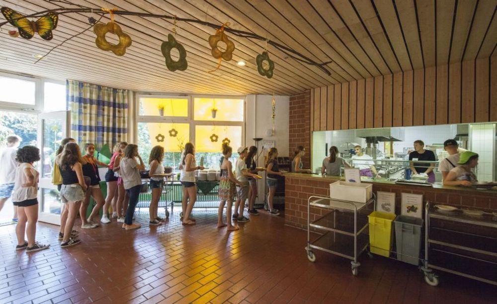 столовая в школе Freiburg, Alpadia Summer Camps