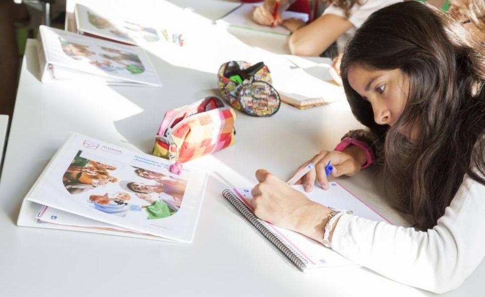 рисование на занятиях в школе Freiburg, Alpadia Summer Camps