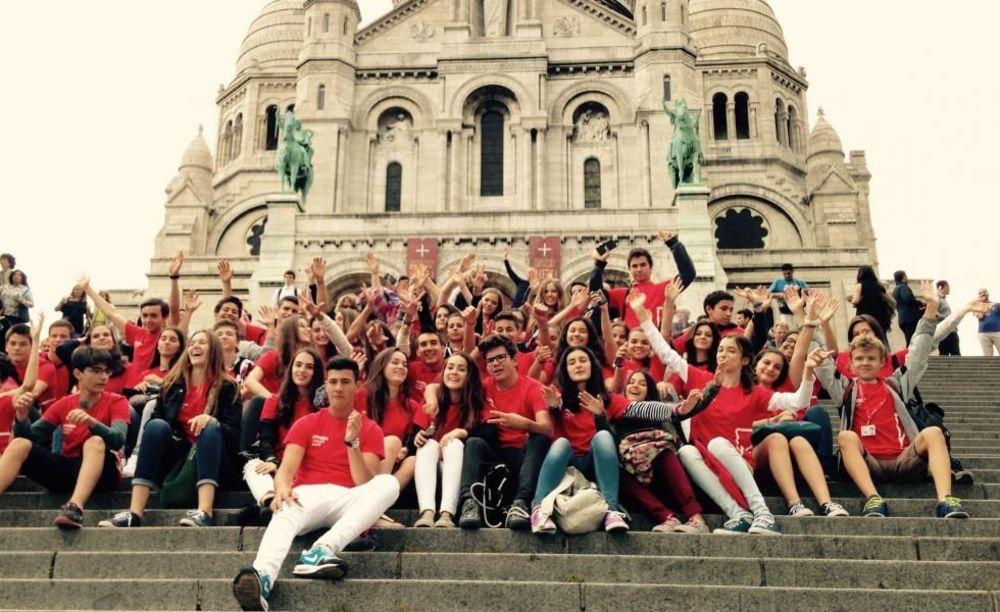 общее фото участников летнего лагеря Paris-Igny, Alpadia Summer Camps