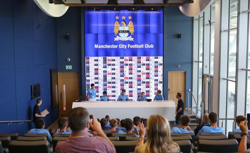 Аудитория City Football Schools.  Аспект - Обучение за рубежом.