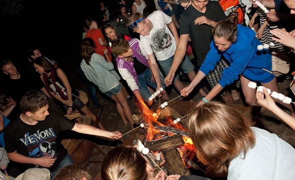 Студенты школы ILAC в Торонто на пикнике