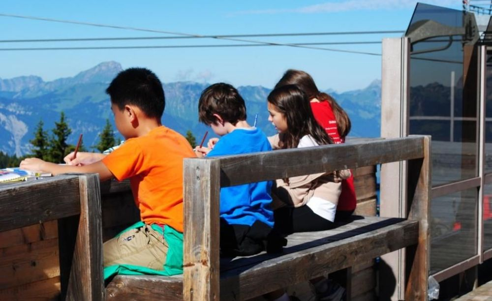 Beau Soleil Summer Camp дети на занятиях