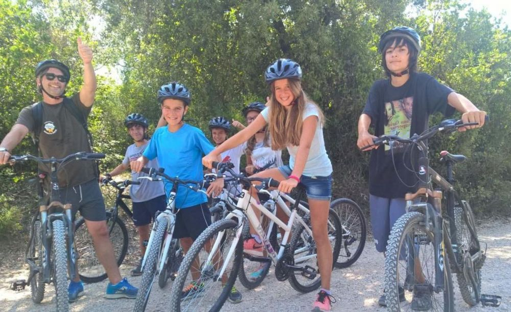 Alphabet International Camps, прогулка на велосипедах