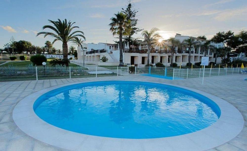 бассейн в школе Nobel International School Algarve Summer School