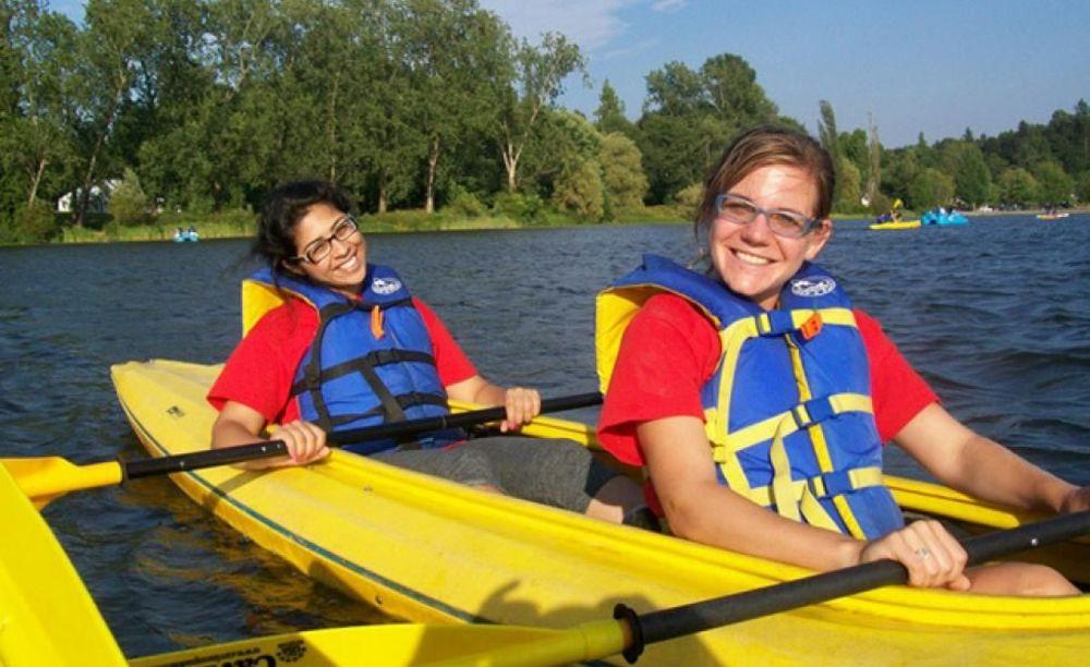 Bodwell High School Summer Programs прогулка на лодке