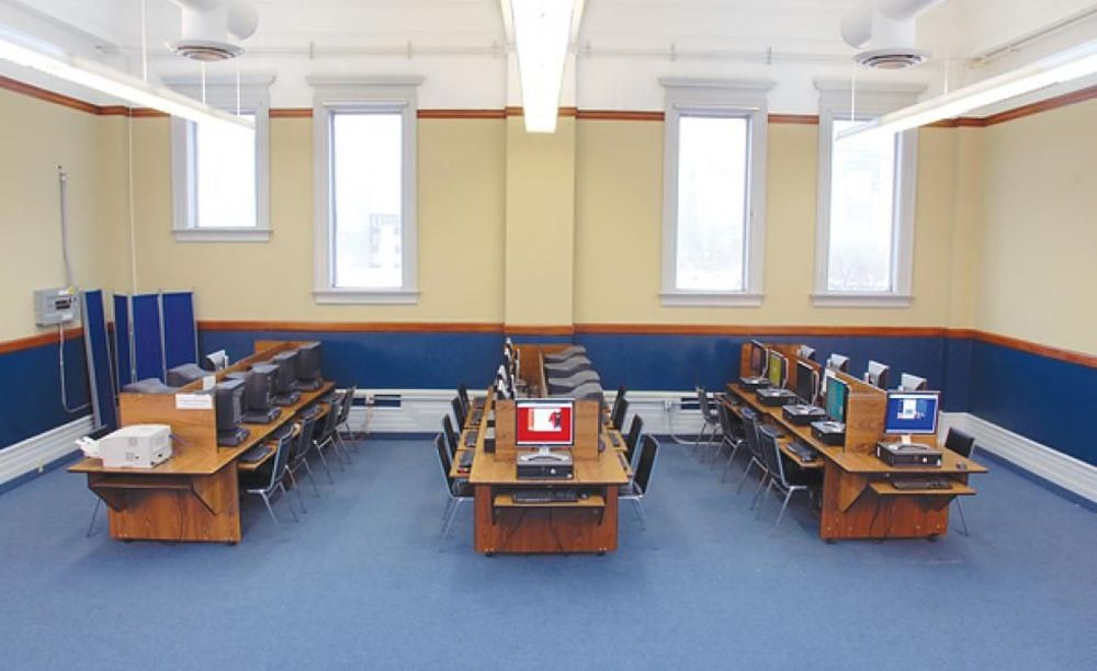 Braemar College компьютерный класс