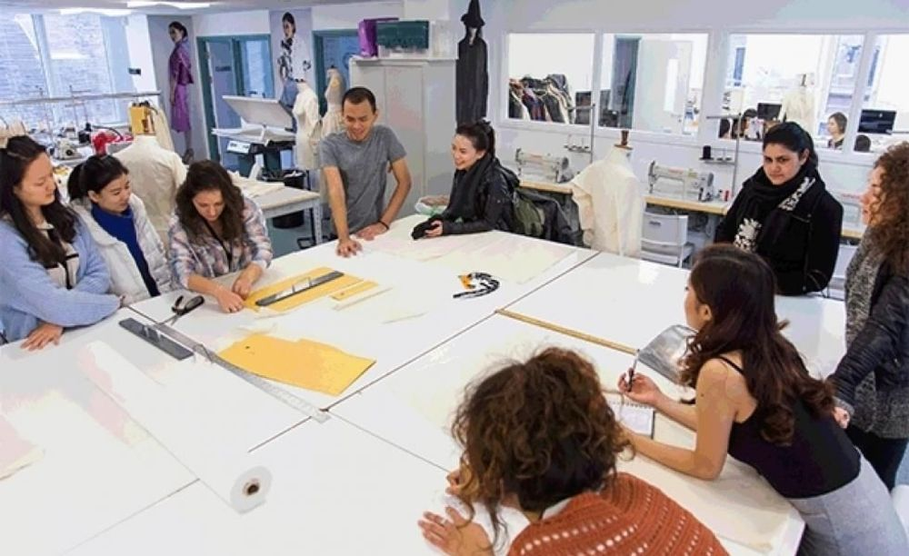 Cambridge School of Visual & Performing Arts студенты
