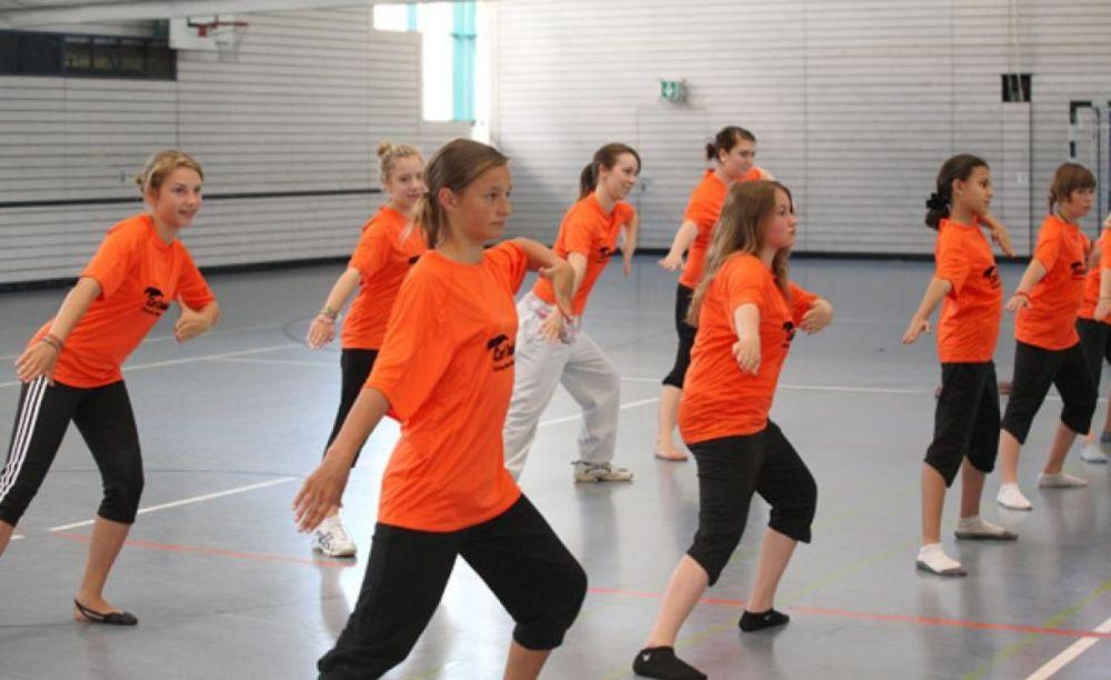 Carl Duisberg, танцы