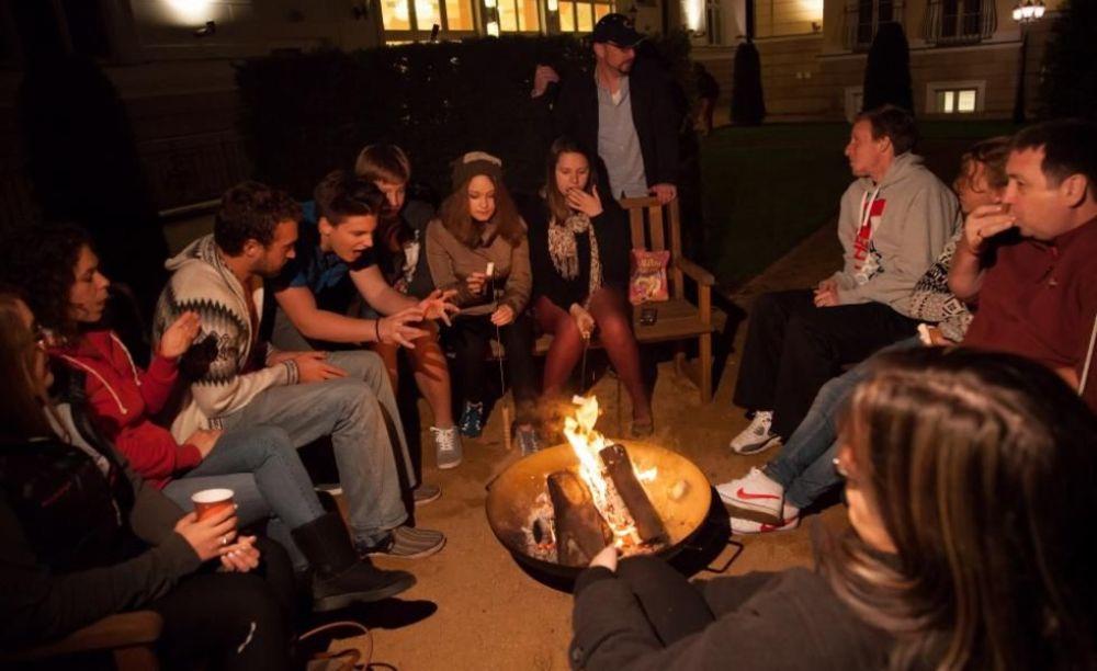 Carlsbad International School вечер на кампусе