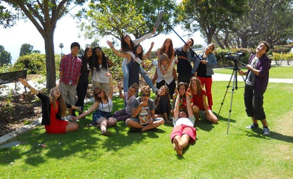 лагерь FLS California State Univeristy дети на съемке