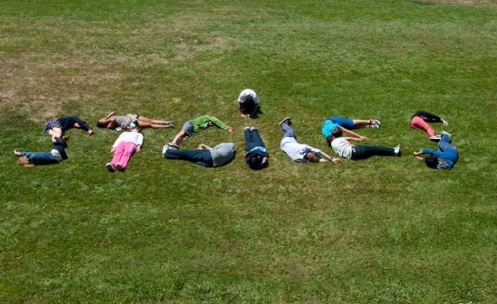 студенты на отдыхе в лагере St Giles на базе California State University, East Bay