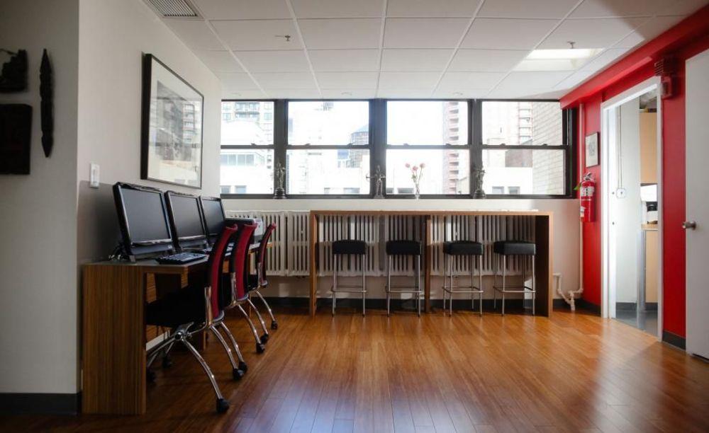 здание школы Rennert New York School