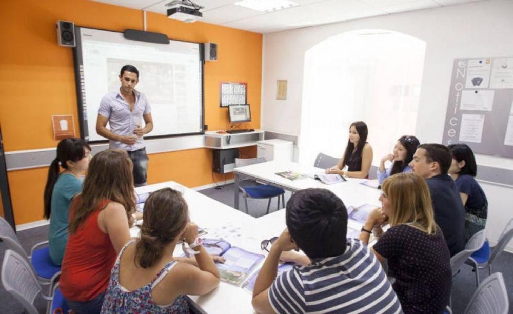 дети на занятиях в школе EC Malta, St. Julian's