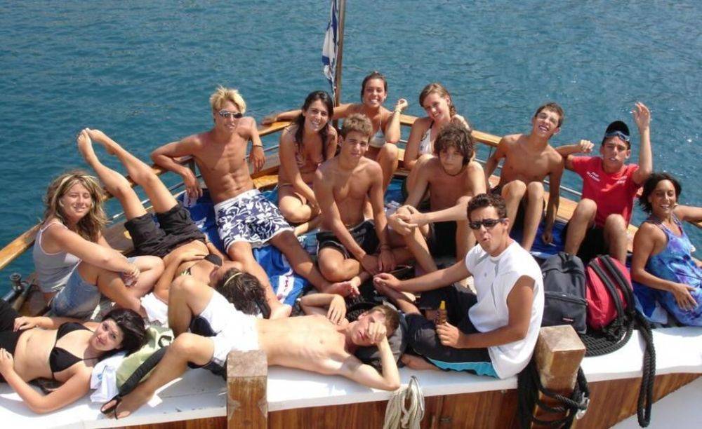 English in Cyprus участники лагеря на море