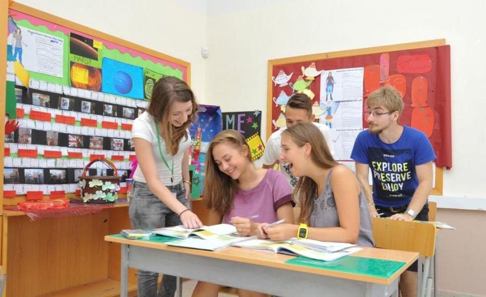 Урок английского языка в летнем лагере English in Cyprus