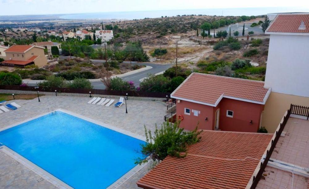 English in Cyprus вид на пляж
