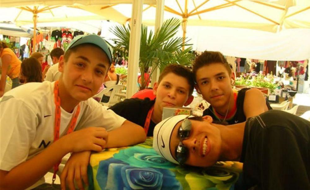"кафетерий в лагере MB International Summer Camp Lignano - компания ""Аспект"""