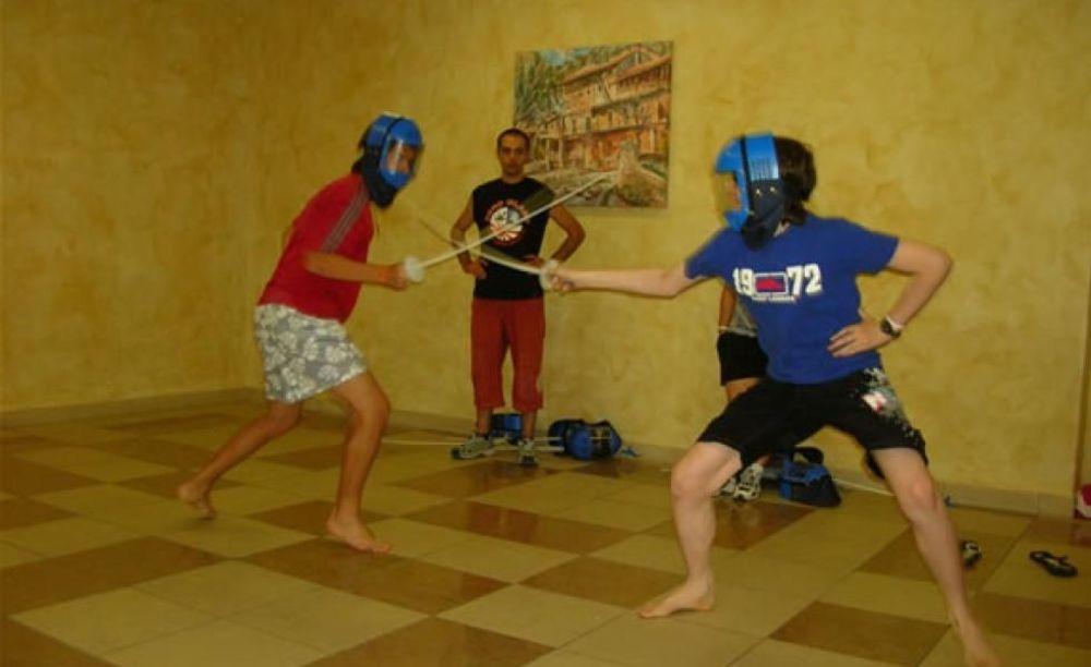 "фехтование  в лагереMB International Summer Camp Lignano - компания ""Аспект"""