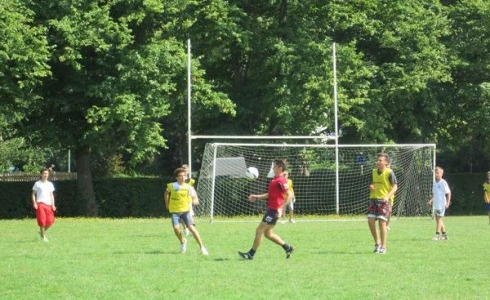 Футбол Dean Close School