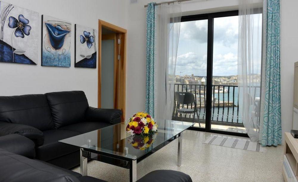 GV Malta комната в апартаментах