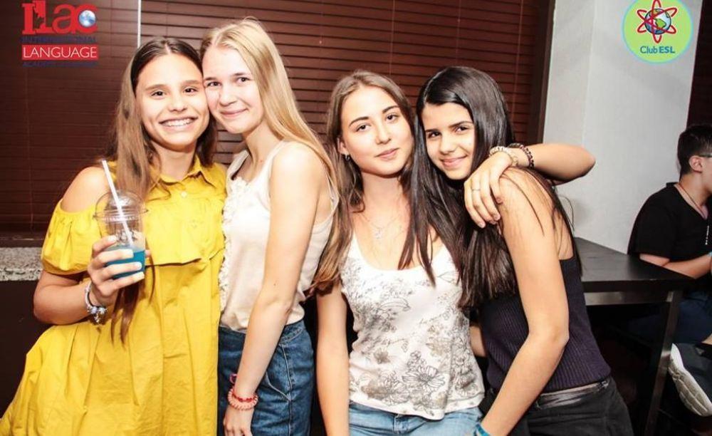 ILAC девочки в Канаде