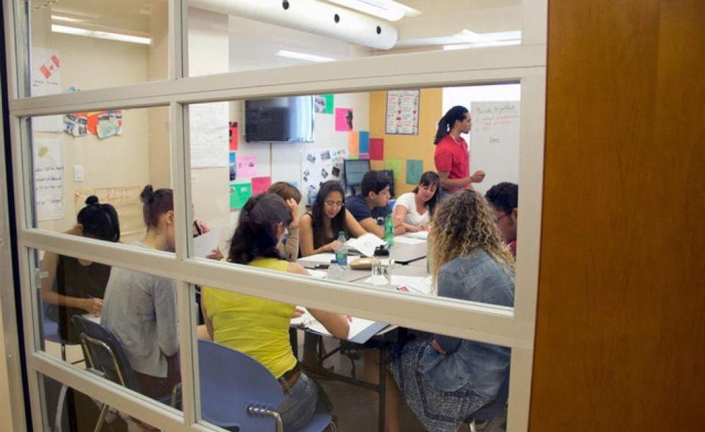 студенты на занятиях в лагере ILSC в Монреале