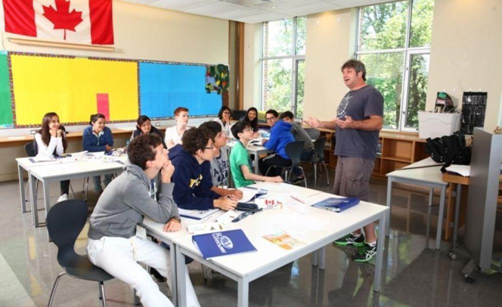 занятия в лагере St Giles Toronto на базе St Andrew's College