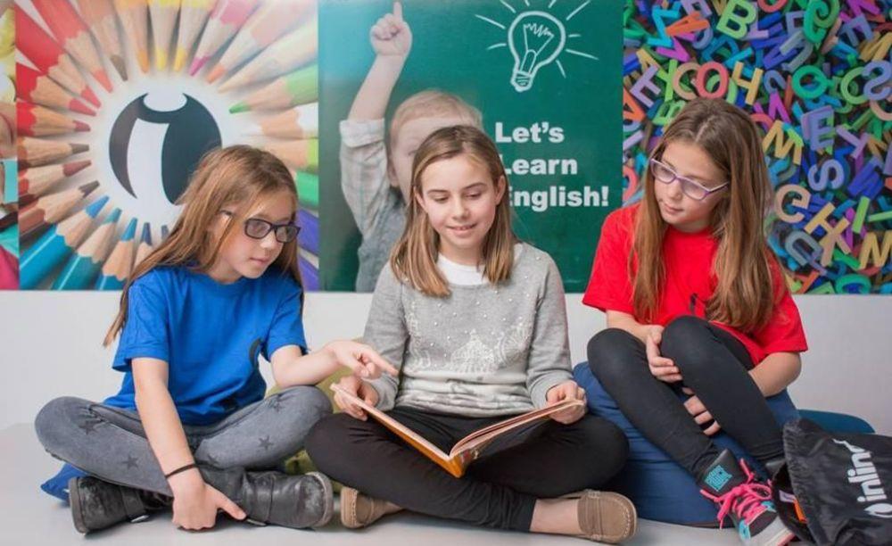 Inlingua Malta девочки в школе