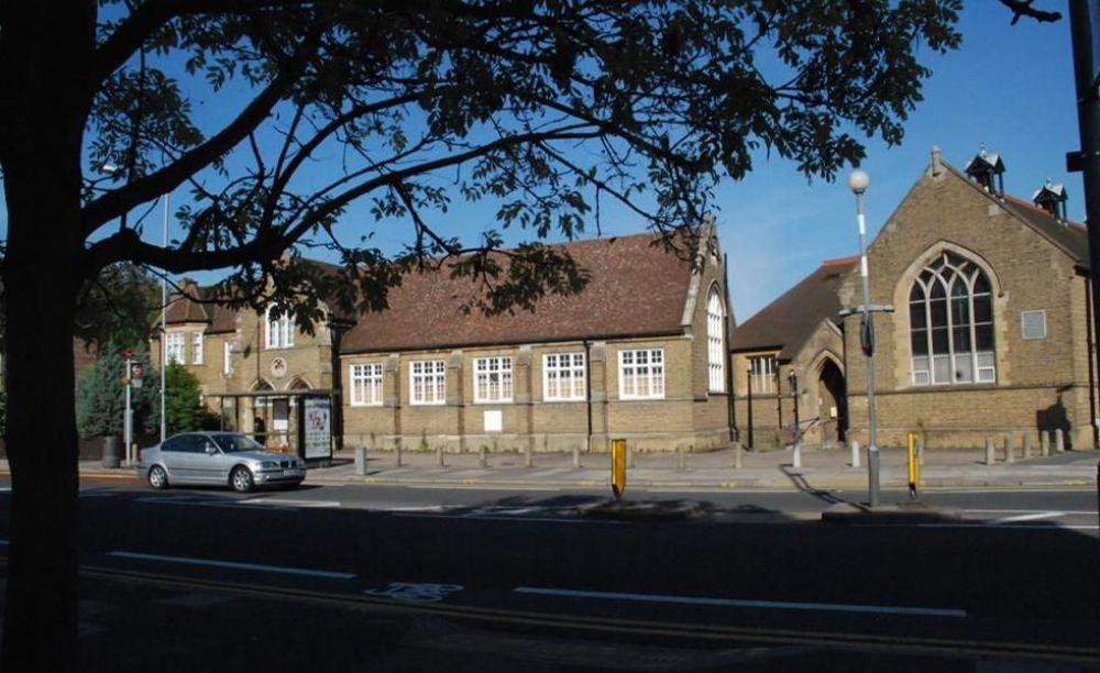 кампус London Tutorial College