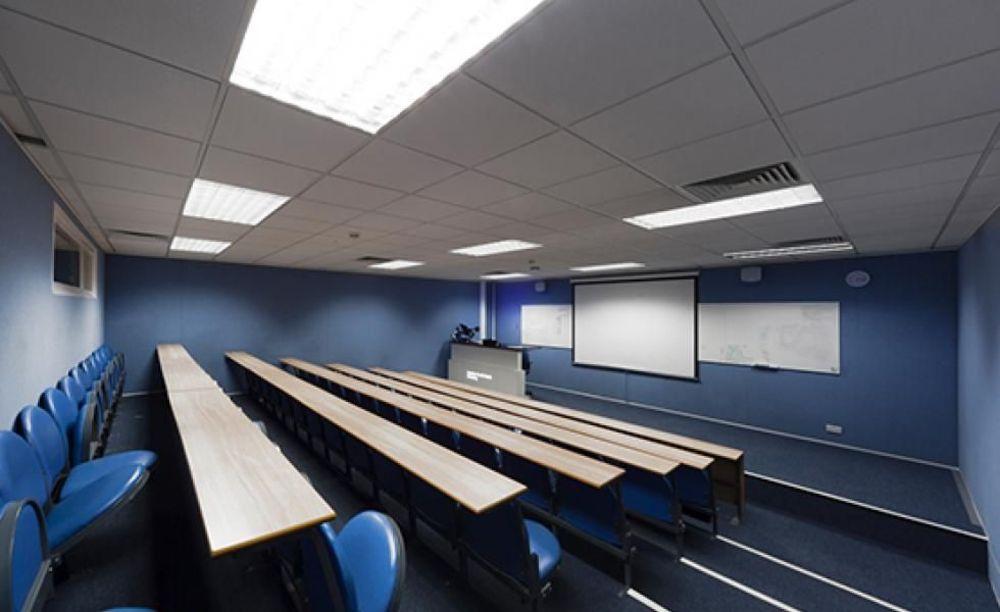 Класс South Bank University. Аспект - Обучение за рубежом