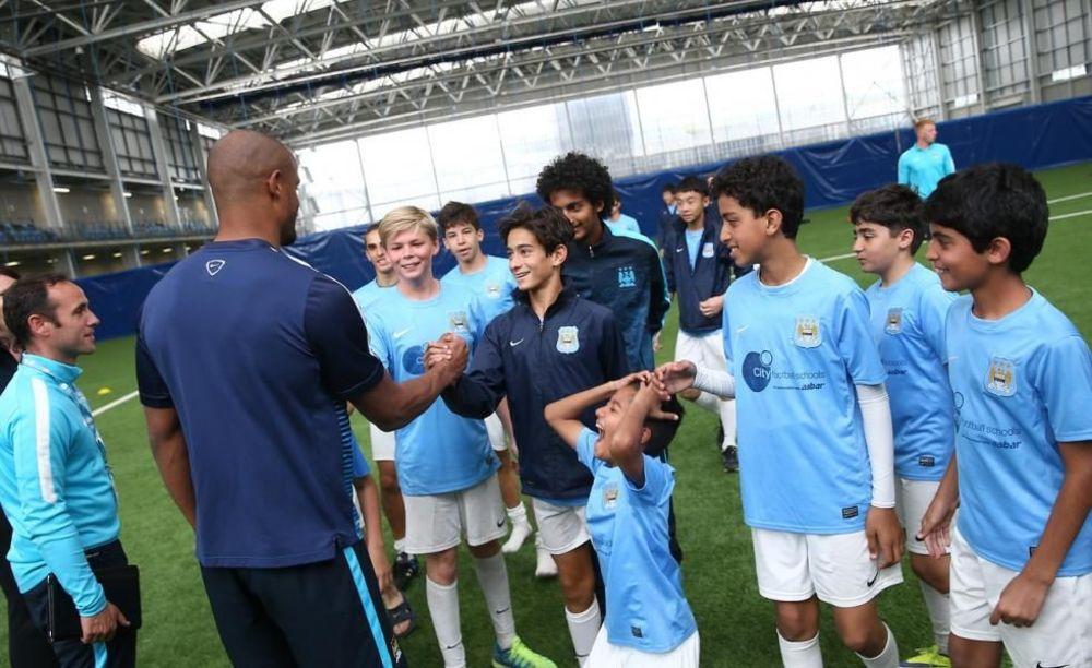 Компани City Football Schools.  Аспект - Обучение за рубежом.