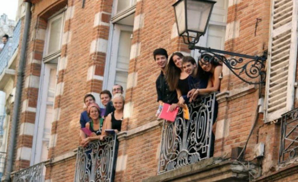 студенты в школе Langue Onze Toulouse