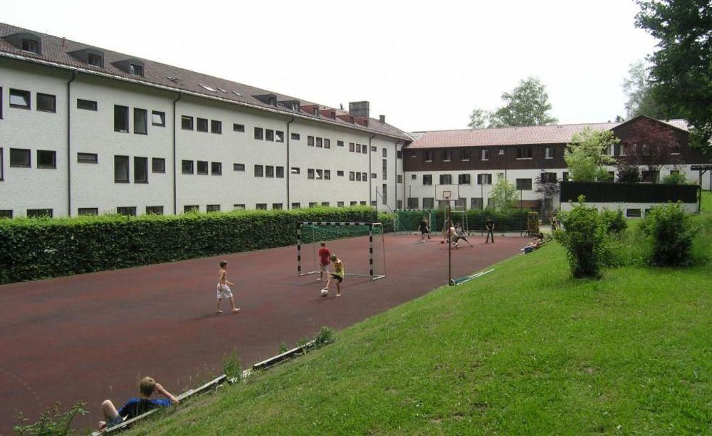 спортивные площадки в лагере Lindenberg, Humboldt – Institut