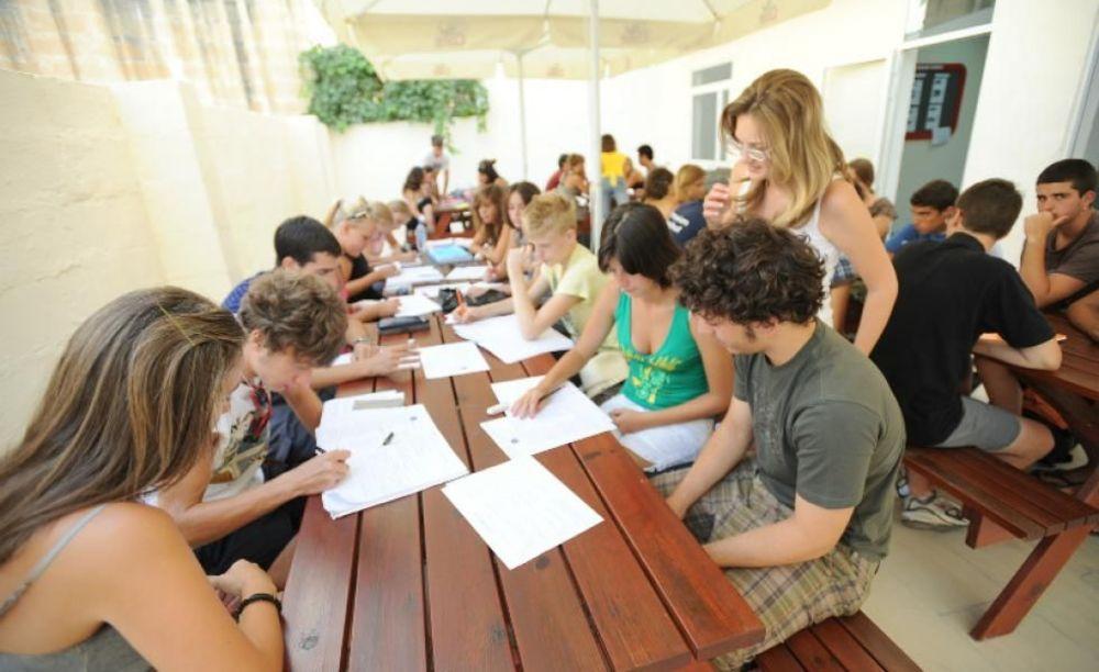 студенты на занятиях в LAL Fort Lauderdale
