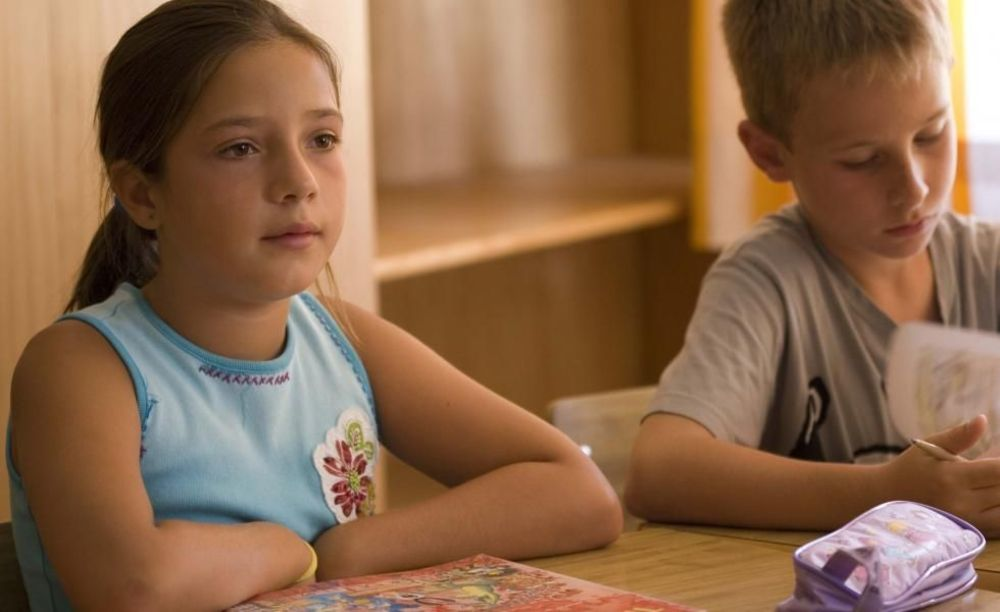 дети в классе в лагере Marbella Aleman, Enfocamp