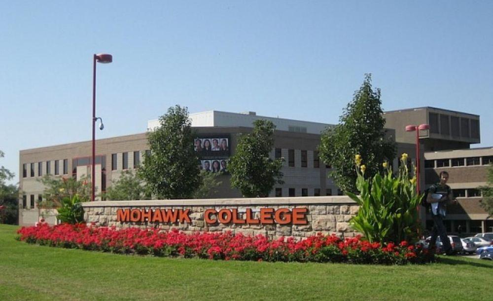 кампус Mohawk College лагерь ACCESS