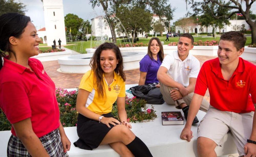 студенты Montverde Academy