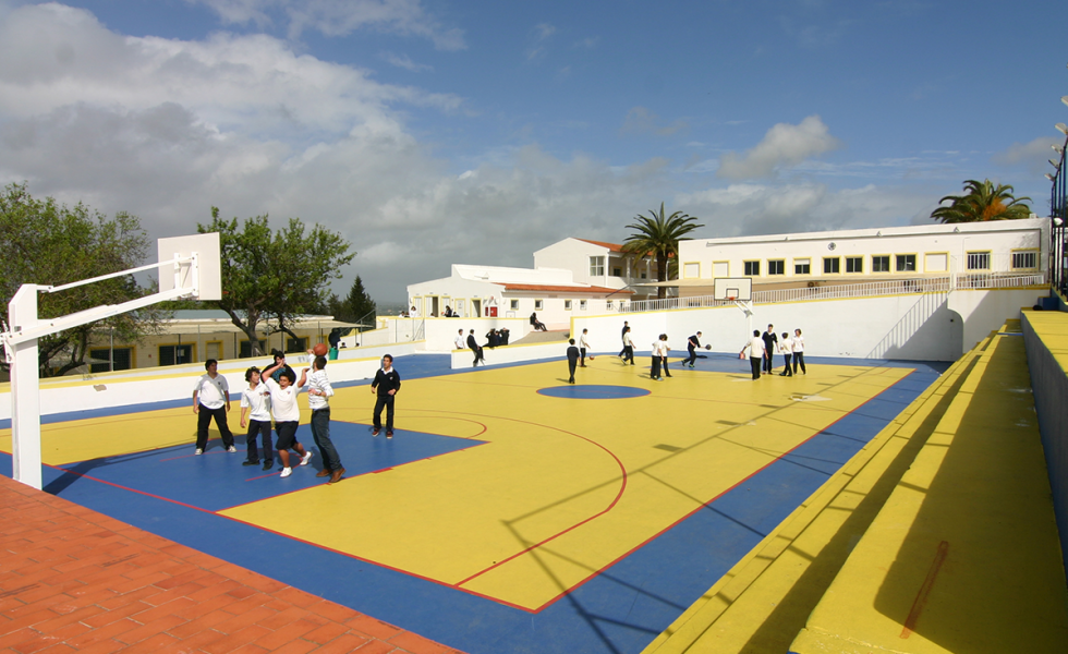 игра в баскетбол Nobel International School Algarve
